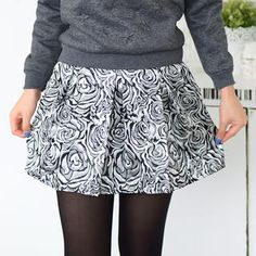 Buy '59 Seconds – Rose Glitter Pleated A-Line Skirt' with Free International Shipping at YesStyle.com. Browse and shop for thousands of Asian fashion items from Hong Kong and more!