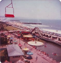 Durban Beachfront 1980 - I remember these red cable cars as a tiny tot! Durban South Africa, Kwazulu Natal, Beautiful Places In The World, African History, Nature Reserve, Back In The Day, East Coast, Places To Visit, City
