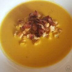 Dýňová polévka - Polévka z dýně Hokaido s opečeným chlebem a anglickou slaninou. Ham, Pudding, Desserts, Soups, Tailgate Desserts, Deserts, Hams, Puddings, Dessert