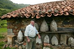 In the Basque Country, this farmer, who is nearing retirement, still owns a few straw hives.