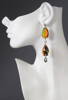 Single row double teardrop earring features:•Multi drop design •Lead and nickel free