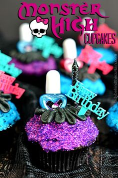 Monster High Cupcakes |  All the girls were jumping up and down as I presented the birthday girl with these easy to make fun Monster High Cupcakes. Monster High Cupcakes, Monster High Birthday Cake, Monster High Party, Birthday Cake Girls, Birthday Cupcakes, Cupcakes Kids, Birthday Ideas, Cupcake Party, Cupcake Cakes