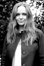 Born September 13th 1971 Stella Nina Mccartney Obe Is An English Fashion Designer She Is The Daughter Of Fashion People Stella Mccartney English Fashion