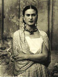 Viva Victoria Vintage: Frida