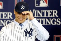 Giancarlo Stanton forcing his way to 'hungry' Yankees shows just how badly he wants to win Cute Baseball Hats, Baseball Game Outfits, Baseball Games, Baseball Highlights, Giancarlo Stanton, Softball Shirts, Usa Sports, American League, Free Agent