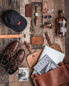 A few of my favorite things. • @bestmadeco hat • @thursdayboots boots • @oakandeden whiskey • @bleudechauffe wallet,bag and belt • @jackmasonbrand watch Photo by @whaleysworld #flatlay #menswear #details Leather #mensstyle #rugged