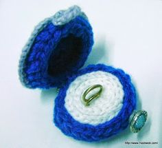 Super cute ring or earring box - crocheted. :) #diy #crafts #crochet