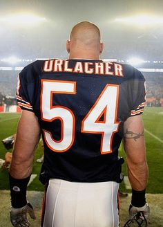 Chicago Bears- Still my favorite Chicago Bears linebacker is Brian Urlacher and he is the Hall Of Famer linebacker that, Brian still # 1 linebacker of the Bears. Let's go Bears ! Chicago Bears, Chicago Football, Bears Football, Football Players, Sport Football, College Football, Nfc North, Sports Stars, National Football League