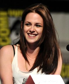 Kristen Stewart SAN DIEGO, CA - JULY 23: Actress Kristen Stewart speaks at the 'Snow White and the Huntsmen' Panel Discussion during Comic-Con 2011 on July 23, 2011 in San Diego, California.