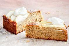 Healthier gluten-free apple cake recipe Gluten Free Icing, Gluten Free Apple Cake, Apple Cake Recipes, Gluten Free Cakes, Almond Recipes, Baking Recipes, Free Recipes, Apple Cakes, Custard Cake