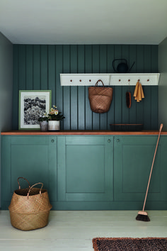 Green Smoke MEG_farrow & ball Farrow And Ball Kitchen, Farrow And Ball Paint, Farrow Ball, Top Paint Colors, Interior Paint Colors, Interior Design, Paint And Paper Library, Trending Paint Colors, Kitchen Cabinetry