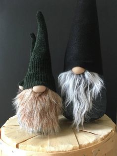 LARGE 17 Nordic Gnome™ Jean body with black hat