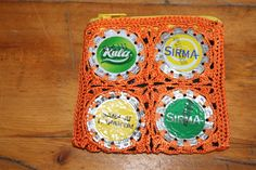 Lined change purse from Turkish mineral water bottle caps, crocheted together, lined so you coins don't fall out! Water Bottle Caps, Mineral Water, Change Purse, Euro, Minerals, Coins, Fall, Crochet, Autumn
