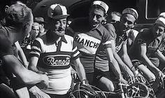 Il fair play esiste nel ciclismo? Sì, ed è forse più diffuso rispetto agli altri sport. Ma anche il ciclista non sfugge alle classifiche del comportamento...