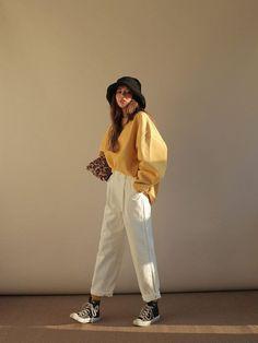 Korean Fashion Casual, Korean Girl Fashion, Korean Fashion Trends, Korean Street Fashion, Korean Outfits, Mode Outfits, Look Fashion, Fashion Fall, Fashion Men