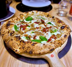 I Masanielli – Francesco Martucci - Garage Pizza Garage Pizza, Salmon Burgers, Camembert Cheese, Places, Ethnic Recipes, Food, Essen, Meals, Yemek