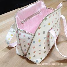 Most up-to-date Screen diy Sewing patterns Popular DIY Zipper Handbag Free Sewing Pattern Bag Patterns To Sew, Sewing Patterns Free, Free Sewing, Sewing Tips, Sewing Designs, Pattern Sewing, Diy Rucksack, Bag Pattern Free, Pattern Fabric