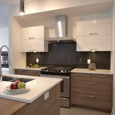 cuisine moderne avec comptoir de quartz facile d'entretien ... - Les Decoration De Cuisine