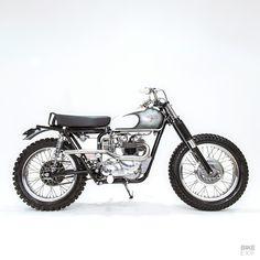 Triumph Cafe Racer, Cafe Racers, Desert Sled, Vintage Motorcycles, Custom Motorcycles, Daytona 500, Classic Bikes, Bobbers, Scrambler