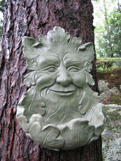 Leaf Man Face - Concrete Cement Bird Feeder – All About The Garden Shop