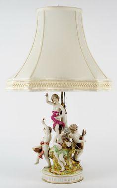 AN ITALIAN CAPODIMONTE PORCELAIN FIGURAL LAMP