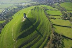 L'isola di Avalon di Re Artù, in Inghilterra. Fantastico luogo!! Da vedere! (clicca la foto)