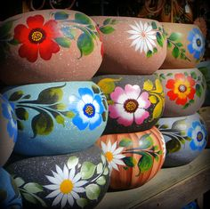 The pots in this picture are so pretty. Mexican Pottery In Old Town Print by Karyn Robinson Painted Plant Pots, Painted Flower Pots, Mexican Garden, Mexican Folk Art, Mexican Patio, Pottery Painting Designs, Pottery Art, Mexican Flowers, Mexican Ceramics