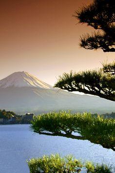 cocoaaaaa: Mt. Fuji http://25.media.tumblr.com/tumblr_mcipt2b59o1rska6xo1_500.jpg
