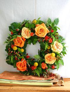 Apricot rose wreath. HolidayWithMatthewMead.com