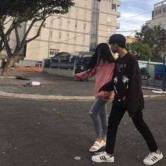 Read Couple from the story ULZZANG PICT by lelelceuu with reads. Ulzzang Couple, Ulzzang Girl, Cute Couples Goals, Couple Goals, Korean Couple Photoshoot, Parejas Goals Tumblr, Jung Jaehyun, Couple Aesthetic, Cute Couple Pictures