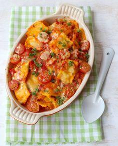 Wat eten we vandaag? Wat dacht je van ravioli-ovenschotel met mascarpone? Pasta is altijd een goed idee, toch?! Ravioli-ovenschotel met mascarpone Recept voor 2 personen Tijd: 10-15 min. + 10 min. in de oven Dit heb je nodig 250 gr…