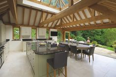 Julius Bahn specialises in building the finest oak-framed orangeries, perfect for both traditional and contemporary, kitchen and home extensions. Kitchen Extension Oak, Orangery Extension Kitchen, Orangerie Extension, Cottage Extension, Bungalow Extensions, House Extensions, Kitchen Extensions, Real Kitchen, Country Kitchen