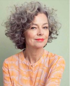 63 Flattering Bob Hairstyles on Older Women - Hairstyles Trends Grey Curly Hair, Curly Hair Cuts, Short Hair Cuts, Short Hair Styles, Wavy Hair, Grey Hair Styles For Women, Long Hair, Pixie Cuts, Brown Hair