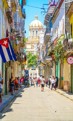 Planning a trip to Cuba? We have got you covered with this ultimate cuba travel guide where we cover things to do in Cuba, what to see in cuba, and where to Varadero Cuba, Cool Places To Visit, Places To Travel, Travel Destinations, Places To Go, London Travel Guide, Cuba Island, Cuba Itinerary, Paisajes