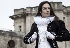 #TElombre - telombre.com actor, performer, singer, model, long hair, french, alternative, androgyn, paris, photography, shooting,  fraise, royaume, vincennes, chateau, prince, victorien, serviteur, shakespeares, actor, endless night, vampire
