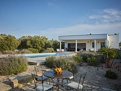 VILLA ULIVO - OLIVE TREE VILLA, Carovigno: Holiday villa for rent. Read 12 reviews, view 24 photos, book online with traveller protection with the owner - 1179715