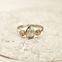RUST 18ct gold opaque diamond ring