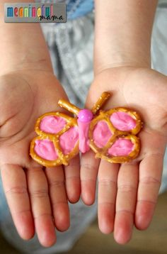 Chocolate Butterfly Pretzels Tutorial - 30 second video tutorial included - Fun Food for Kids