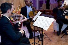 Un cuarteto de cuerdas es un conjunto musical de cuatro instrumentos de cuerda, usualmente dos violines, una viola y un violonchelo, o una pieza escrita para ser interpretada para dicho grupo. El cuarteto de cuerdas es ampliamente visto como una de las formas más importantes de música de cámara, teniendo en cuenta que muchos de los compositores renombrados a partir del siglo XVIII escribieron obras para cuarteto de cuerdas.  Una composición musical para cuatro intérpretes de instrumentos de…
