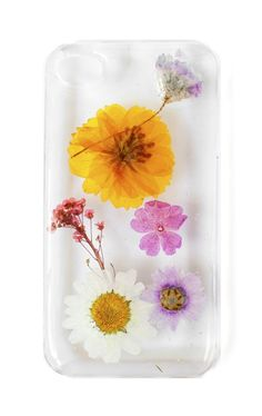 Spring into season with the Lemon and Honey case. Available for iPhone 4 and 5!