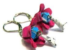 Recycled earring E-MOI from leftover leather and fruits juices packagings.  Boucles d'oreille E-MOI recyclés en chutes de cuirs et emballages de jus de fruits. Suivez nous sur Facebook/instagram: emoi.france