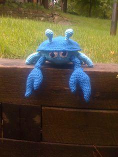 Sheldon the Crab – free crochet pattern – Drunken Aunt Wendy Crochet Fish, Crochet Octopus, Diy Crochet, Crochet Crafts, Crochet Flowers, Crochet Projects, Crochet Patterns Amigurumi, Amigurumi Doll, Crochet Dolls