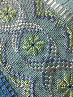 1 million+ Stunning Free Images to Use Anywhere Bargello Needlepoint, Broderie Bargello, Bargello Patterns, Needlepoint Stitches, Needlepoint Kits, Hand Embroidery Patterns Flowers, Hand Embroidery Designs, Hardanger Embroidery, Embroidery Stitches