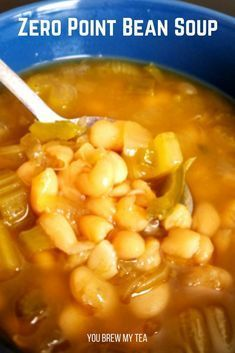 Make our Crockpot Bean Soup for a vegan comfort food dish your family will love! Coming in at 4 SmartPoints or 0 Flex Points this is a Weight Watchers soup! This is a perfect vegan soup recipe that is low in points high in protein and fiber and ideal f Weight Watcher Dinners, Plats Weight Watchers, Weight Watchers Free, Weight Watchers Vegetarian, Weight Watchers Appetizers, Weight Watchers Lunches, Weight Watchers Chicken, Weight Watchers Bean Soup Recipe, Weight Watcher Chicken Salad Recipe