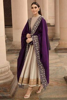 Pakistani Dresses Casual, Indian Gowns Dresses, Indian Fashion Dresses, Dress Indian Style, Pakistani Dress Design, Indian Dresses For Women, Indian Wedding Dresses, Pakistani Fashion Casual, Pakistani Wedding Outfits