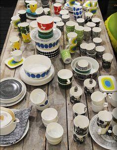 tykkään hirveästi markimekon kuvioinneista, ja etenkin värikkäistä astioista, niitä voisi pukki tuoda :)