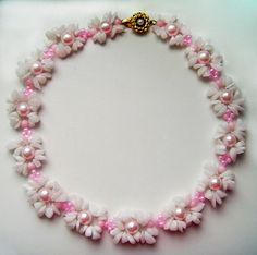 Free pattern for necklace Flora