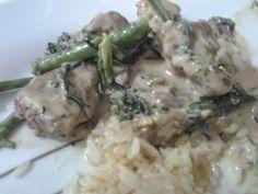 Carne com catupiry e brócolis