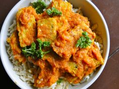 Sketch-Free Eating: Saucy Tempeh Curry