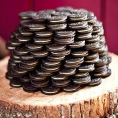 "Oreo Groom's ""Cake"" = brilliant"